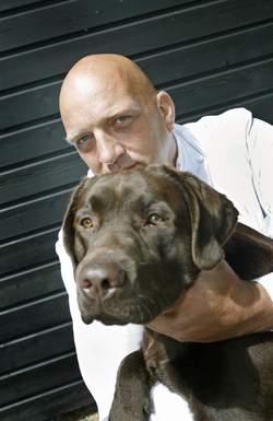 Herman den Blijker en zijn hond Truffel